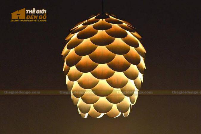 Thế giới đèn gỗ - Đèn gỗ trang trí quả thông cánh tròn 1