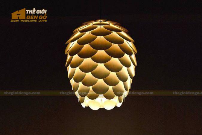 Thế giới đèn gỗ - Đèn gỗ trang trí quả thông cánh tròn 3