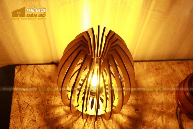 Thế giới đèn gỗ - Đèn gỗ trang trí búp sen 1