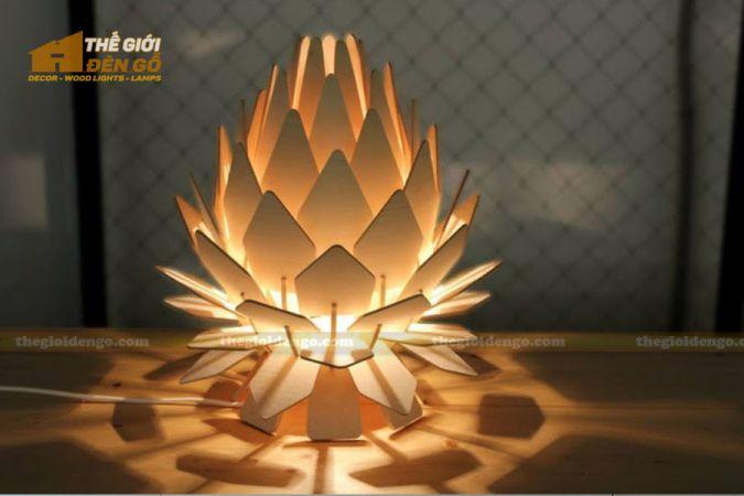 Thế Giới Đèn Gỗ - Đèn gỗ trang trí hoa quỳnh