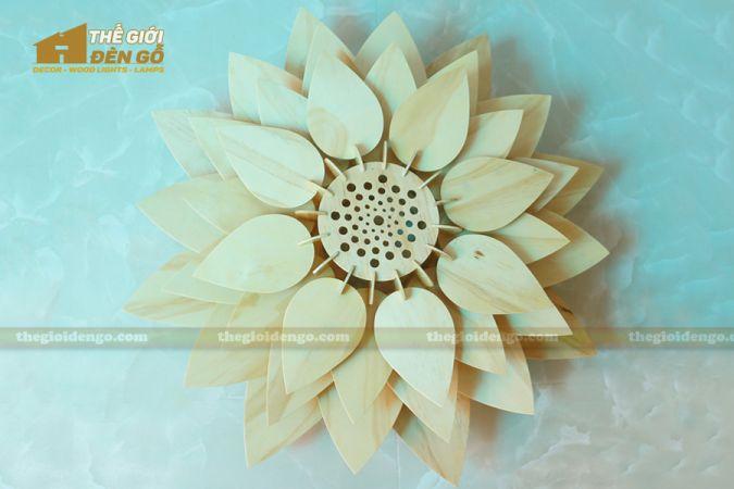 Thế giới đèn gỗ - Đèn gỗ trang trí hoa sen 1