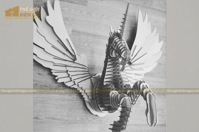 Thế Giới Đèn Gỗ - Đèn gỗ trang trí ngựa Pegasus 2