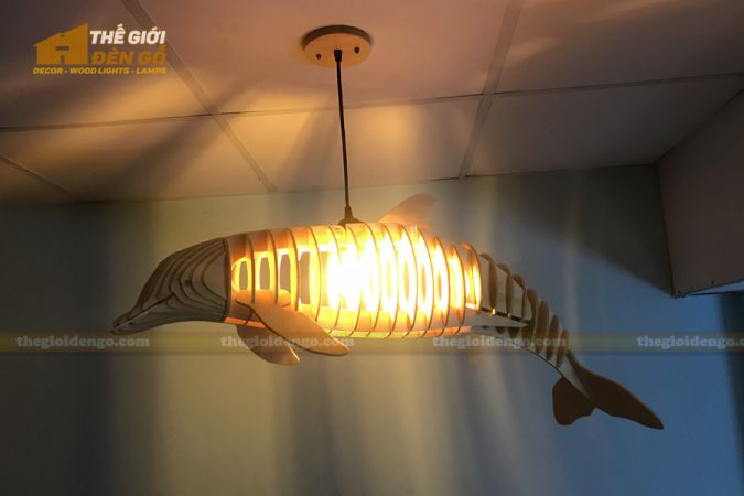 Thế Giới Đèn Gỗ - Đèn gỗ trang trí cá heo 3