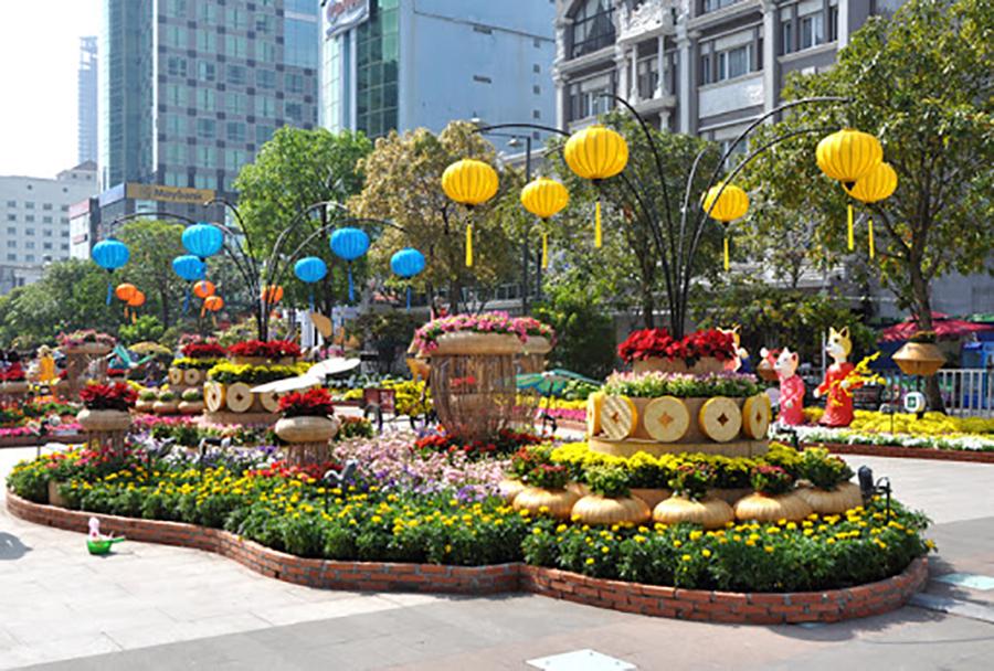 Thế Giới Đèn Gỗ - Dự án đường hoa Nguyễn Huệ Quận 1 2018 - 8