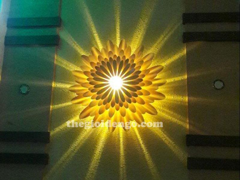 Thế Giới Đèn Gỗ - Đèn gỗ trang trí hoa cúc 3