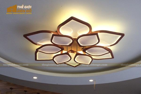 Thế Giới Đèn Gỗ - Phương pháp treo đèn chùm đúng và đẹp