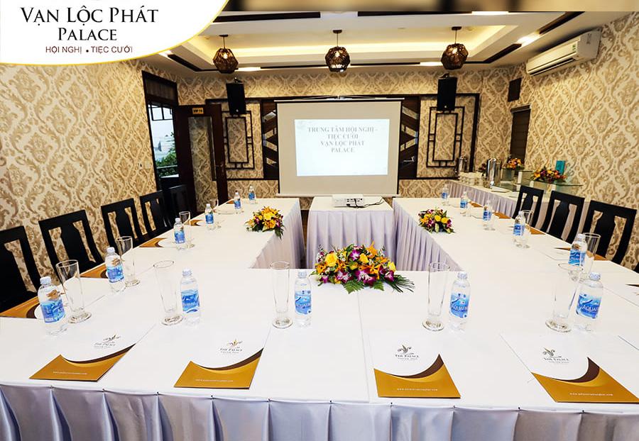 Thế Giới Đèn Gỗ - Dự án tổ hợp nhà hàng - trung tâm hội nghị - tiệc cưới Vạn Lộc Phát 3