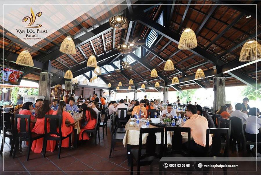 Thế Giới Đèn Gỗ - Dự án tổ hợp nhà hàng - trung tâm hội nghị - tiệc cưới Vạn Lộc Phát 7