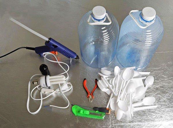 Thế Giới Đèn Gỗ - Hướng dẫn cách làm đèn trang trí handmade từ muỗng nhựa 1