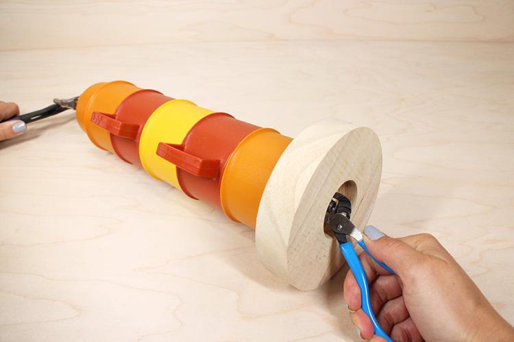 Thế Giới Đèn Gỗ - Hướng dẫn tự làm đèn bàn từ những chiếc ly nhựa cực đẹp 10