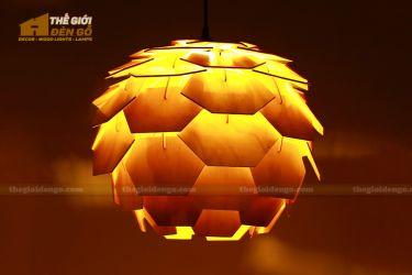 Thế giới đèn gỗ - Đèn gỗ trang trí Atiso cánh vuông