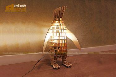 Thế giới đèn gỗ - Đèn gỗ trang trí con chim cánh cụt