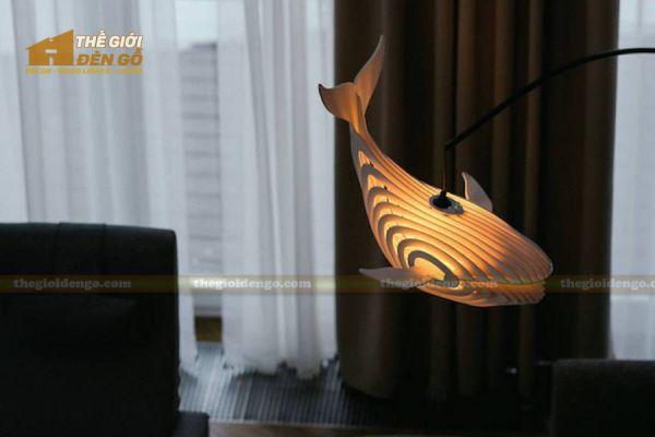 Thế Giới Đèn Gỗ - Đèn gỗ trang trí cá voi 1