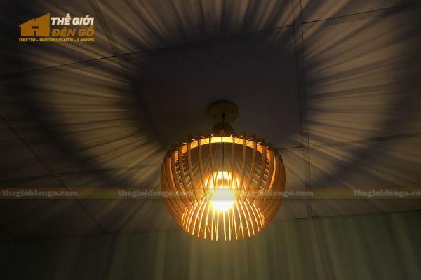 Thế giới đèn gỗ - Đèn gỗ trang trí chụp nhọn 10