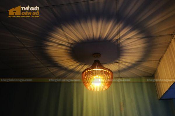 Thế giới đèn gỗ - Đèn gỗ trang trí chụp nhọn 8