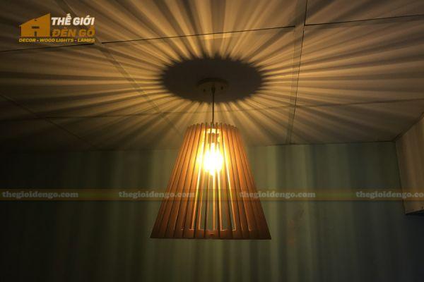 Thế giới đèn gỗ - Đèn gỗ trang trí nón trụ 7