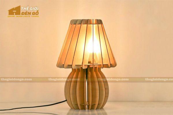 Thế Giới Đèn Gỗ - Đèn gỗ trang trí để bàn DGB011