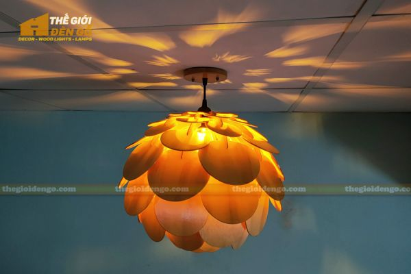 Thế Giới Đèn Gỗ - Đèn gỗ trang trí Atiso cánh tròn 12