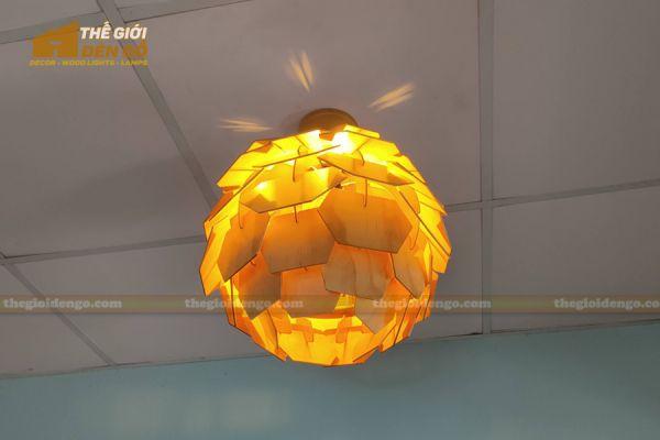 Thế Giới Đèn Gỗ - Đèn gỗ trang trí Atiso cánh vuông 11