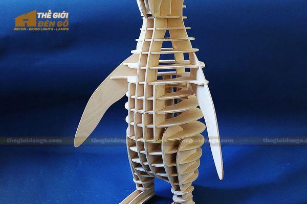 Thế giới đèn gỗ - Đèn gỗ trang trí con chim cánh cụt 2