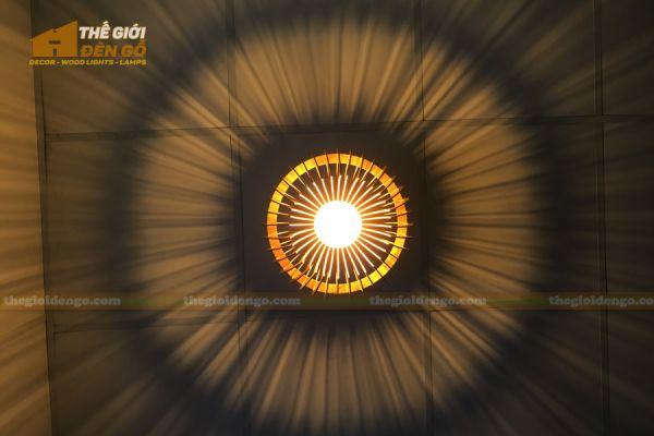 Thế giới đèn gỗ - Đèn gỗ trang trí chụp nhọn 12