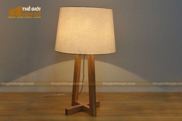 Thế Giới Đèn Gỗ - Đèn gỗ trang trí để bàn DGB028