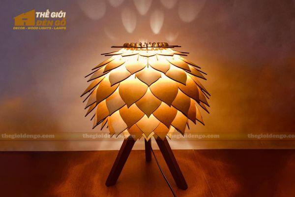 Thế Giới Đèn Gỗ - Đèn gỗ trang trí để bàn DGB030