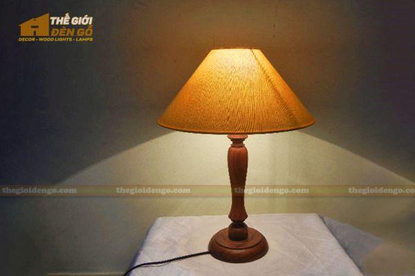 Thế Giới Đèn Gỗ - Đèn gỗ trang trí để bàn DGB023