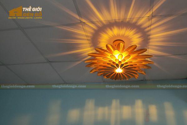 Thế Giới Đèn Gỗ - Đèn gỗ trang trí hoa cúc 14
