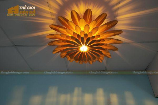 Thế Giới Đèn Gỗ - Đèn gỗ trang trí hoa cúc 16