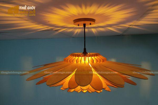 Thế Giới Đèn Gỗ - Đèn gỗ trang trí hoa cúc 18