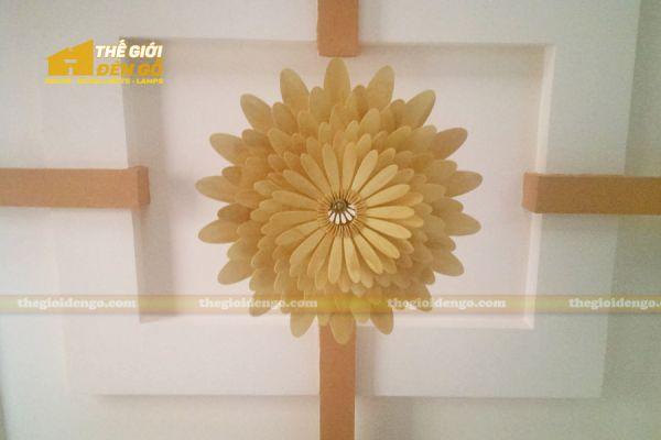 Thế Giới Đèn Gỗ - Đèn gỗ trang trí hoa cúc 8