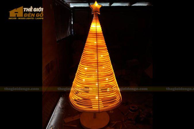 Thế Giới Đèn Gỗ - Đèn gỗ trang trí cây thông 4