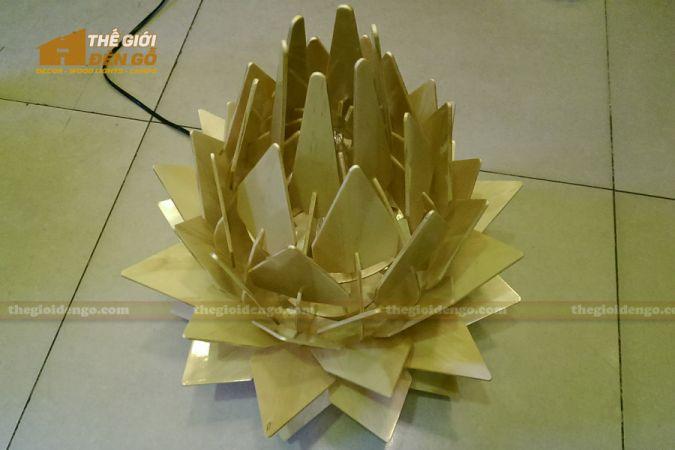 Thế Giới Đèn Gỗ - Đèn gỗ trang trí hoa quỳnh 7