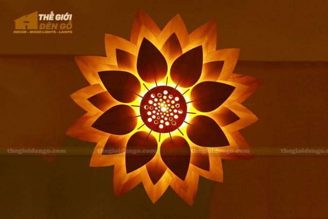 Thế Giới Đèn Gỗ - Đèn gỗ trang trí hoa sen.