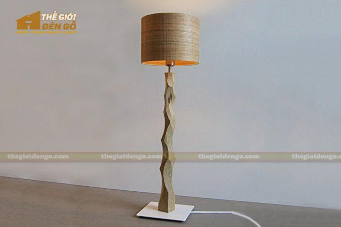 Thế Giới Đèn Gỗ - Đèn gỗ trang trí để sàn DGS010