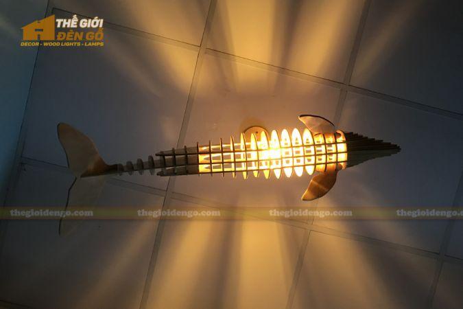 Thế Giới Đèn Gỗ - Đèn gỗ trang trí cá heo 4