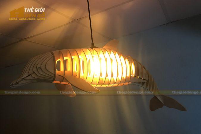 Thế Giới Đèn Gỗ - Đèn gỗ trang trí cá heo 5